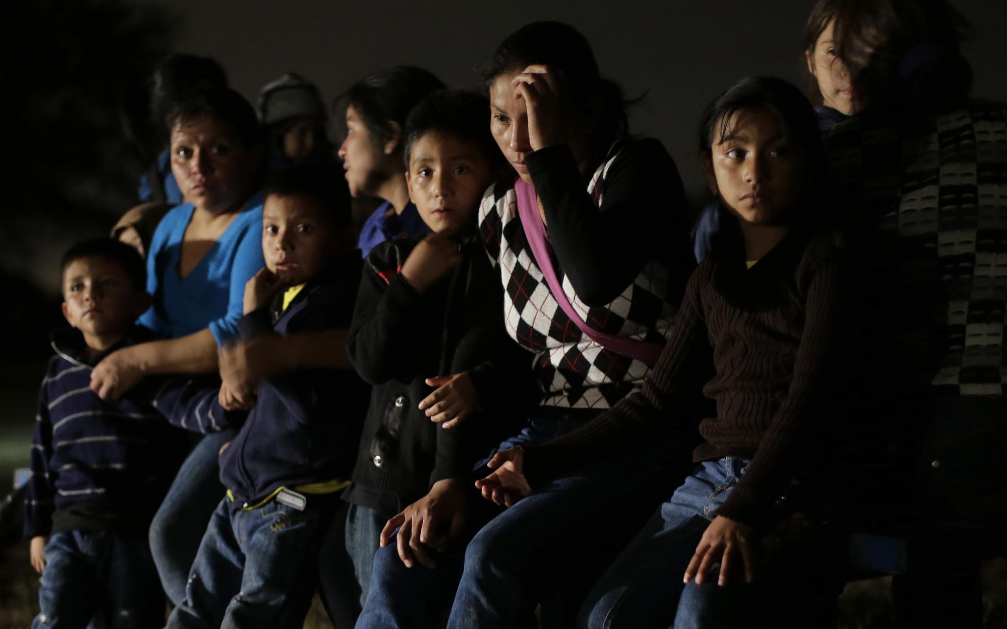 APphoto_Immigration Obama